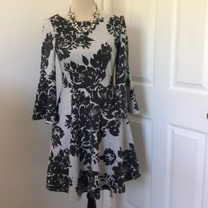 Vince Camuto dress with pockets